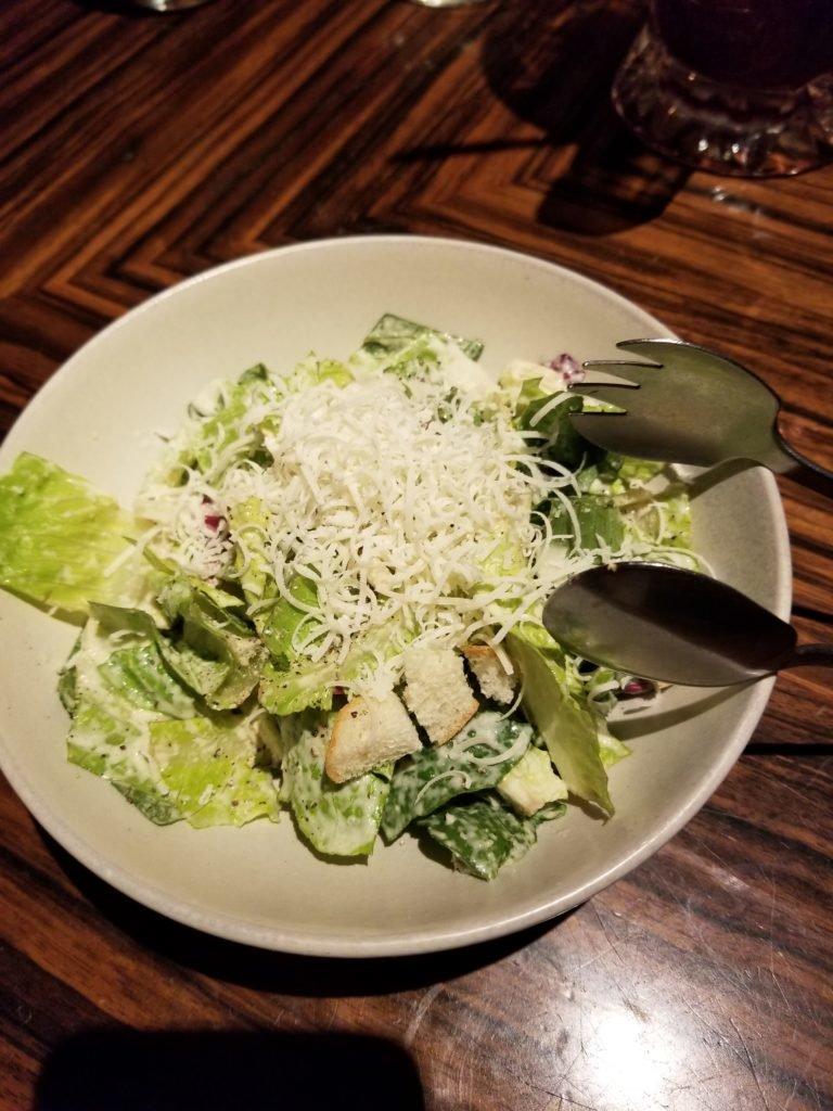 CafeRIGOLETTOロメインレタスのシーザーサラダ