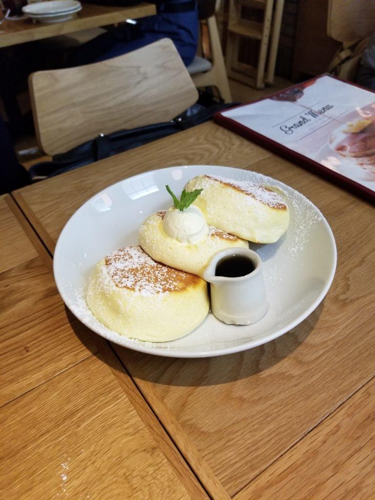 OriginalPancakeHouse_ShinjyukuEst_ふわふわパンケーキ(プレーン)