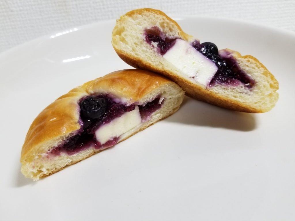 ブルーベリー&クリームチーズ断面図