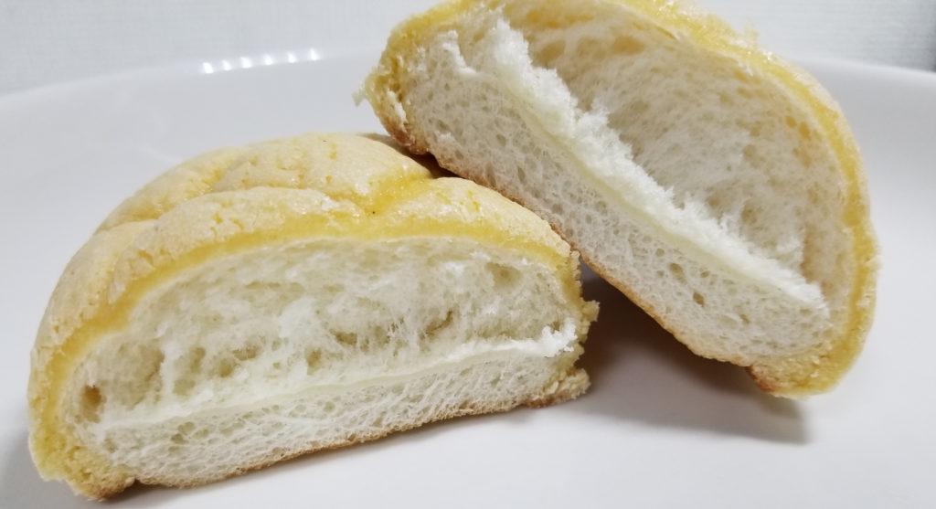 田島コッペメロンパン断面