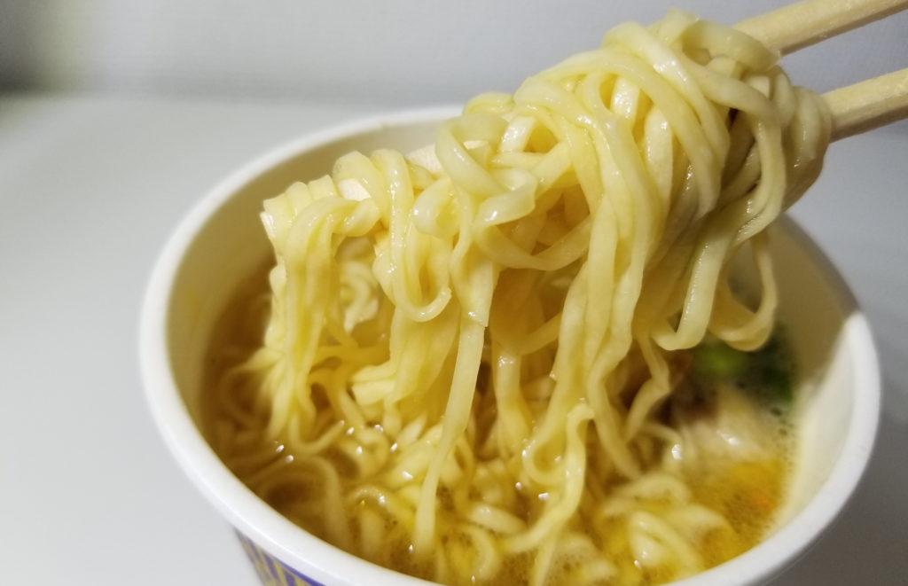 cupカップヌードルリッチすっぽんスープ味麺の感じ