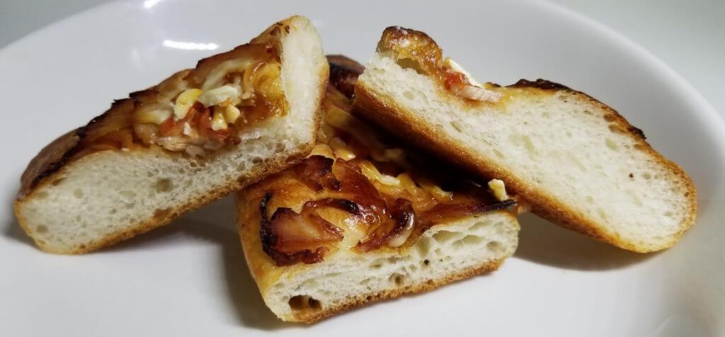 marc照り焼きチキンのフランスパン断面